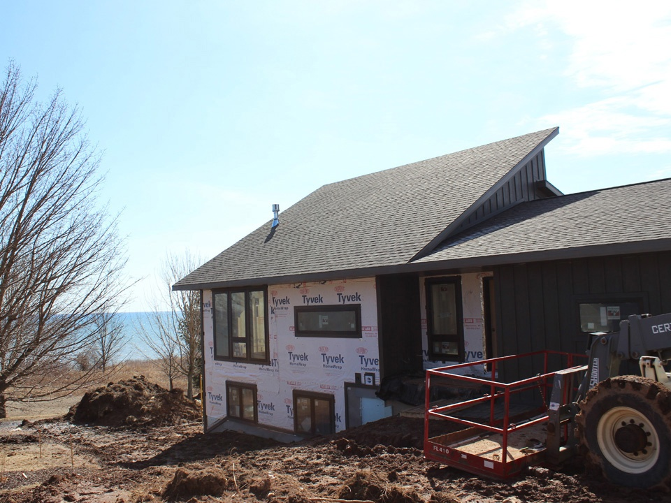 Beautiful New Home on the Lakefront 4