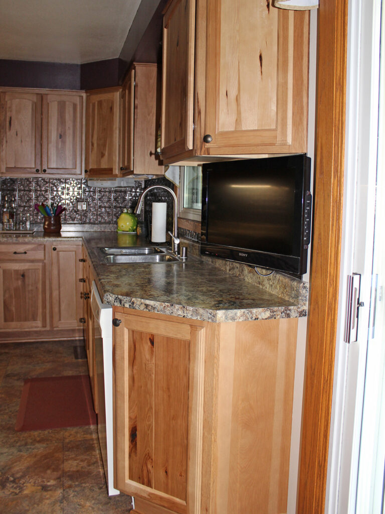 Mid Continent Cabinetry Beautiful Kitchen Redesign 6