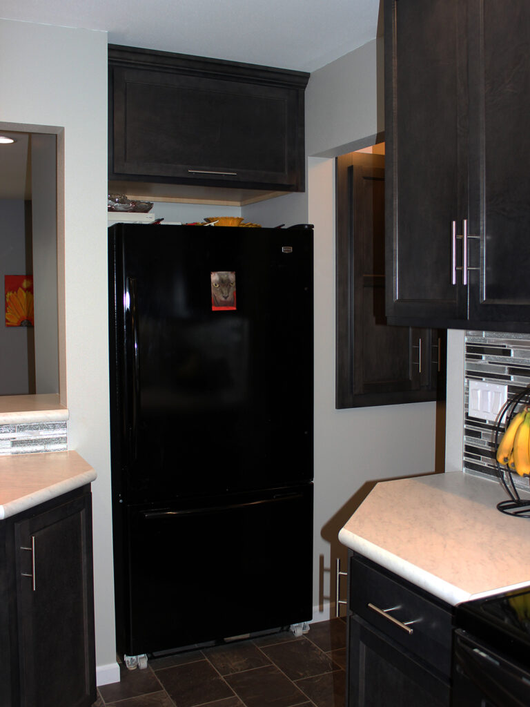 Mid Continent Cabinetry Contemporary Kitchen Update 11