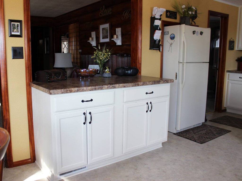 Mid Continent Cabinetry Dramatic 1950s Kitchen Makeover 4
