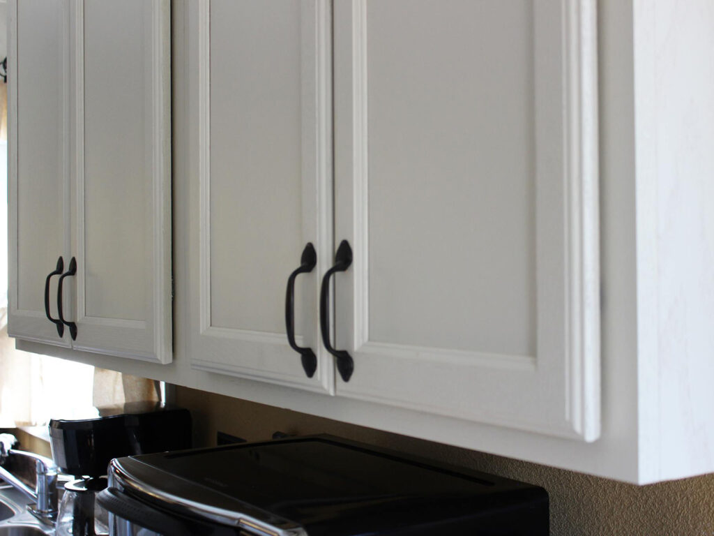 Mid Continent Cabinetry Dramatic 1950s Kitchen Makeover 7