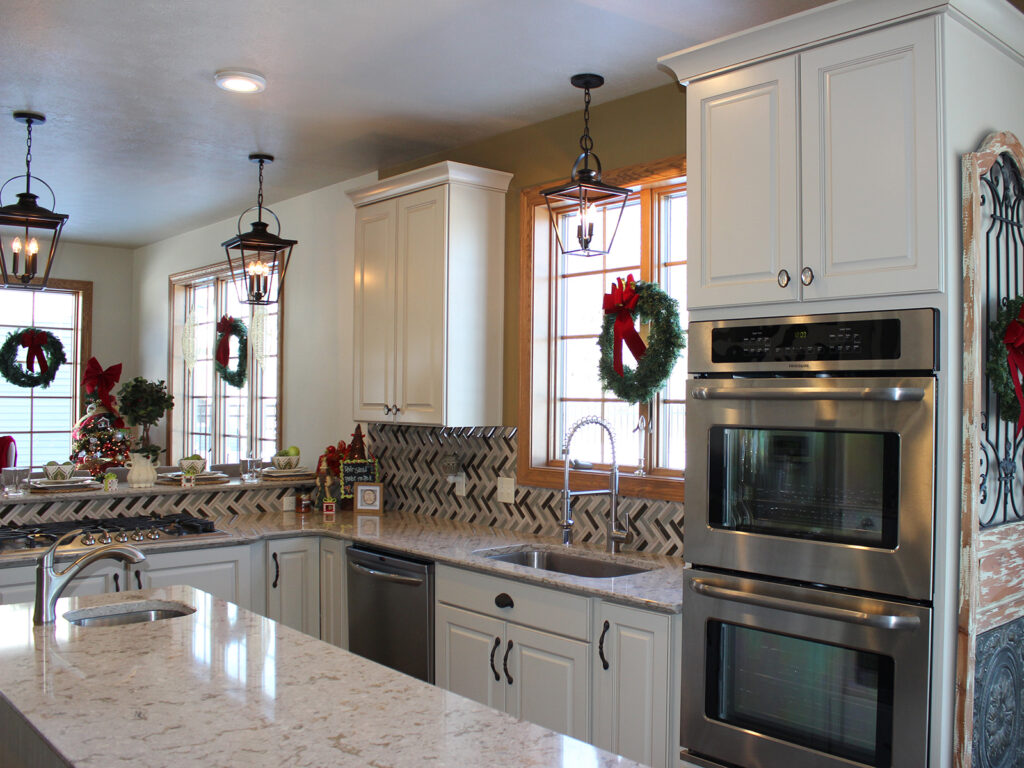 Mid Continent Cabinetry Gorgeous Kitchen Transformation 4