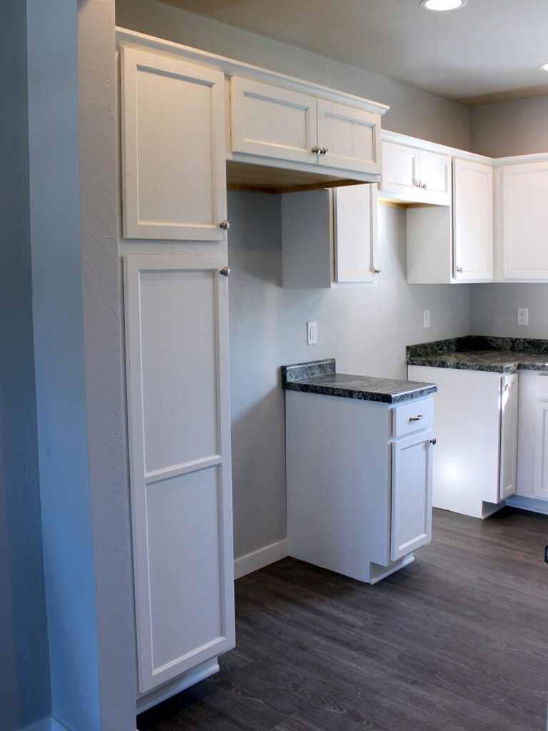 Mid Continent Cabinetry Open Concept Kitchen 8
