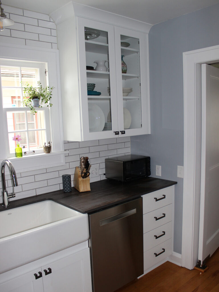 StarMark Cabinetry 1930s Charming Remodel 8
