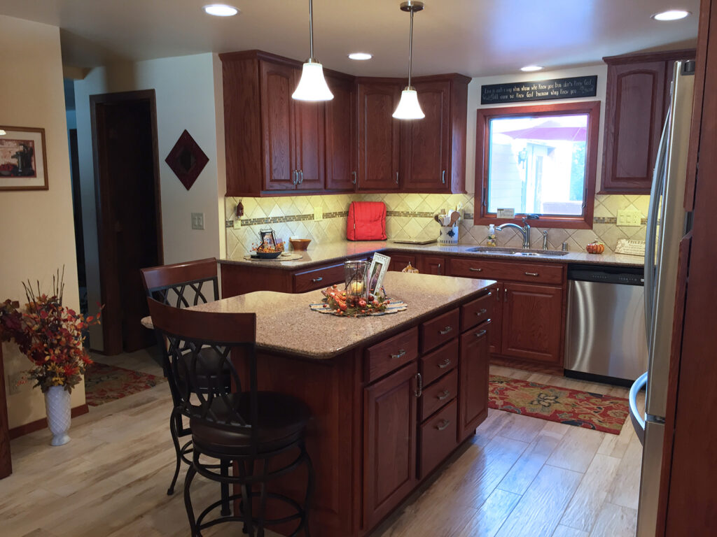 StarMark Cabinetry Designer Look Dream Kitchen 1