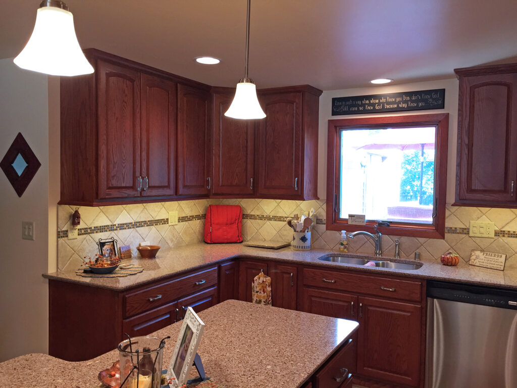 StarMark Cabinetry Designer Look Dream Kitchen 2
