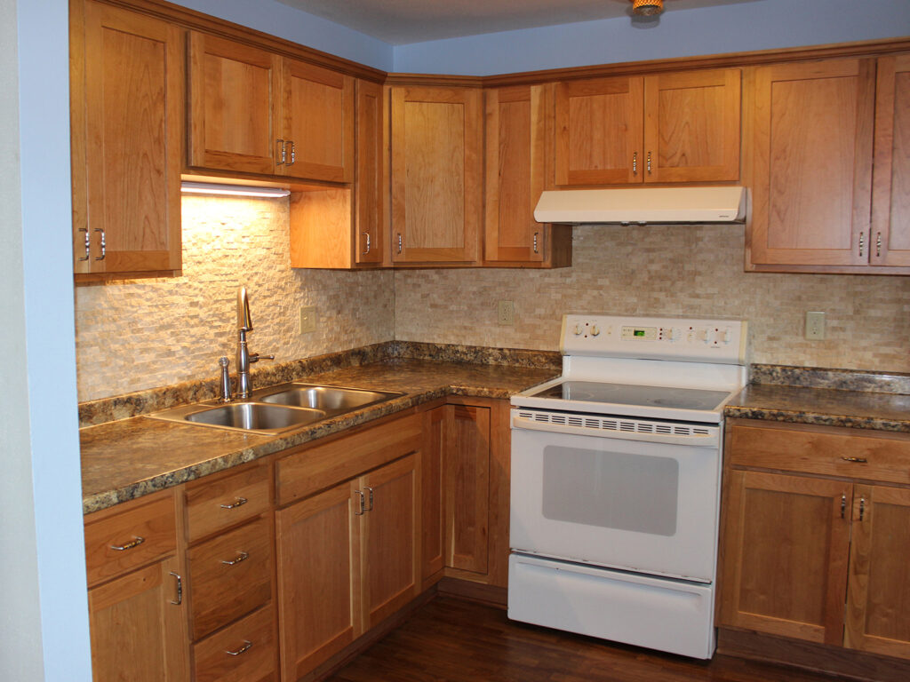 StarMark Cabinetry Dramatic Kitchen Makeover