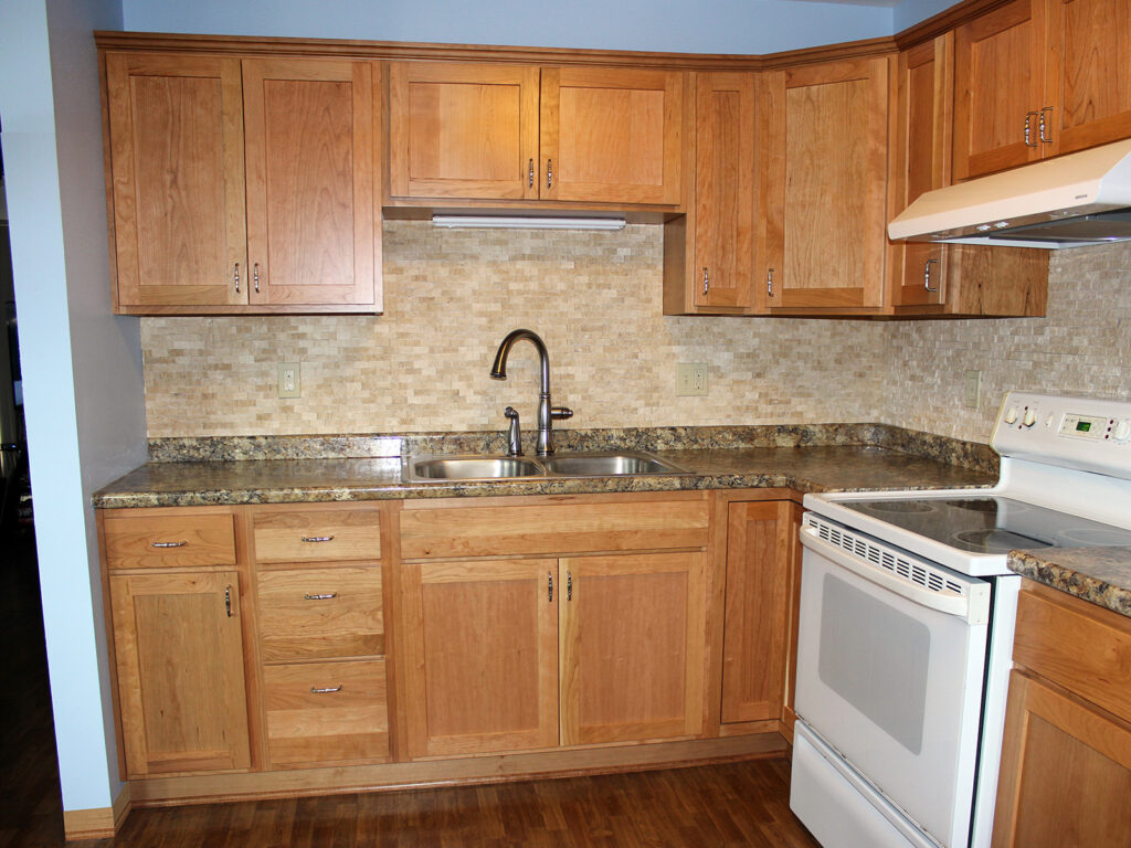 StarMark Cabinetry Dramatic Kitchen Makeover 4
