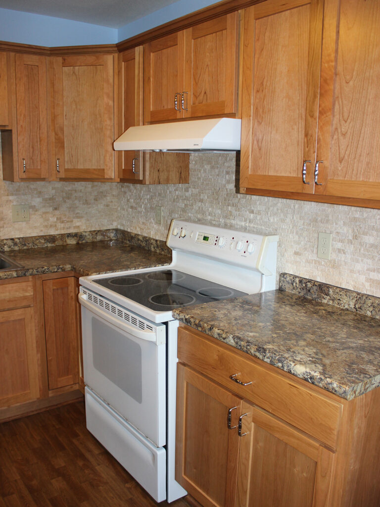 StarMark Cabinetry Dramatic Kitchen Makeover 5