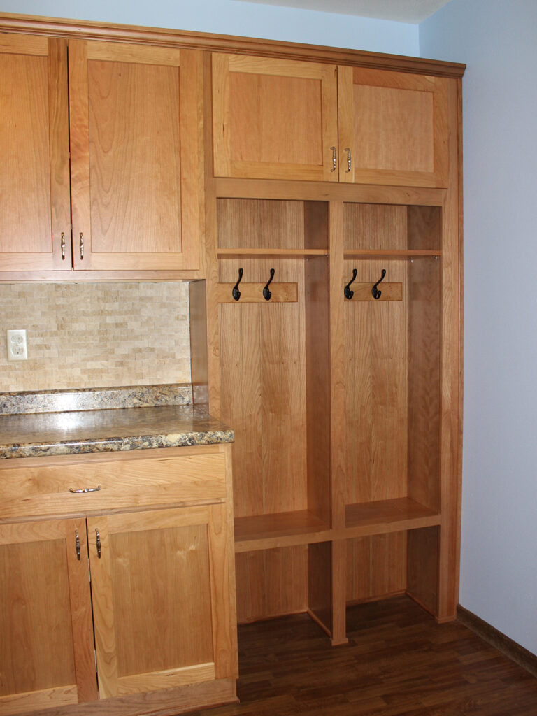 StarMark Cabinetry Dramatic Kitchen Makeover 6