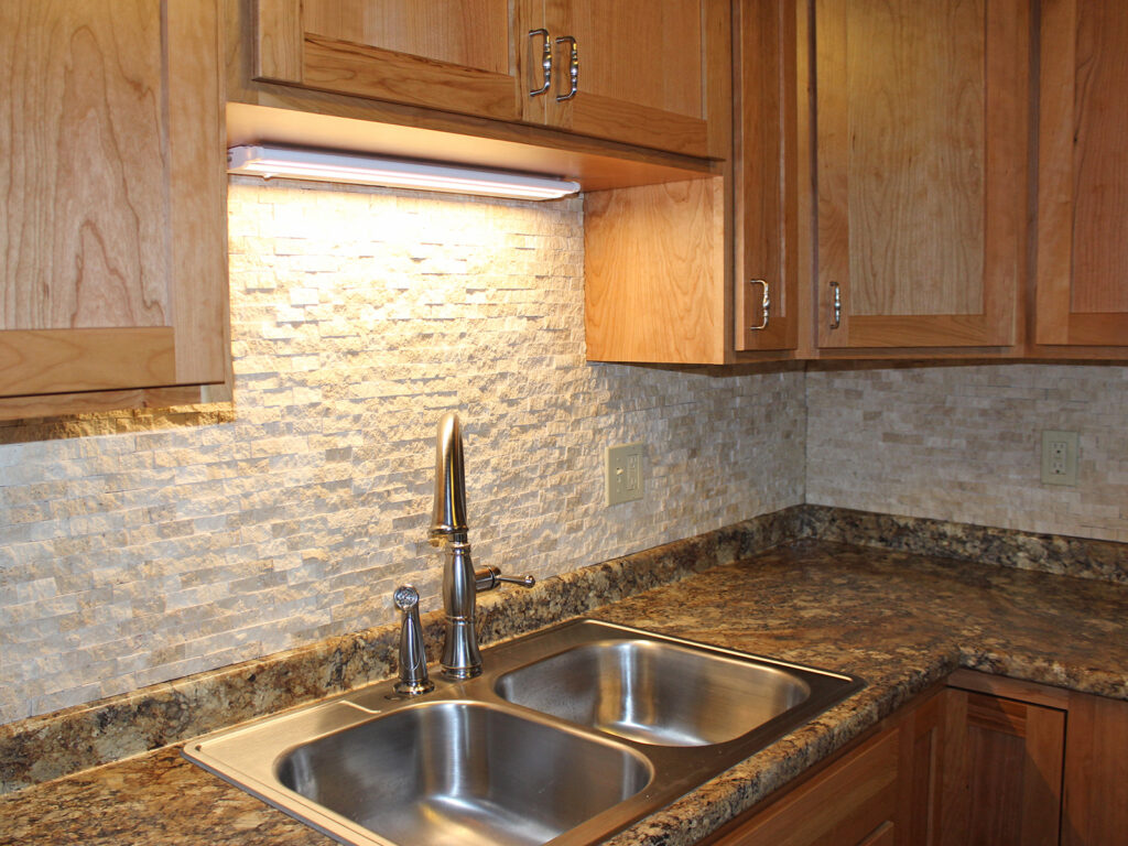 StarMark Cabinetry Dramatic Kitchen Makeover 8