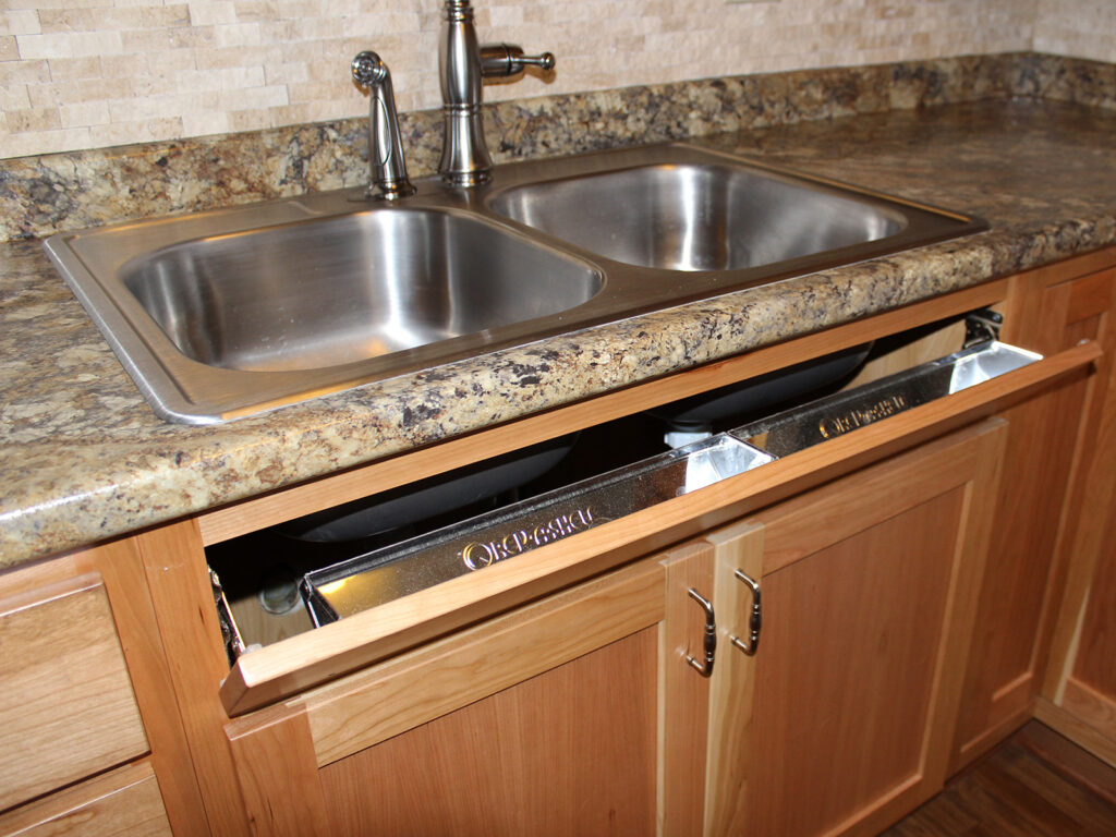 StarMark Cabinetry Dramatic Kitchen Makeover 9