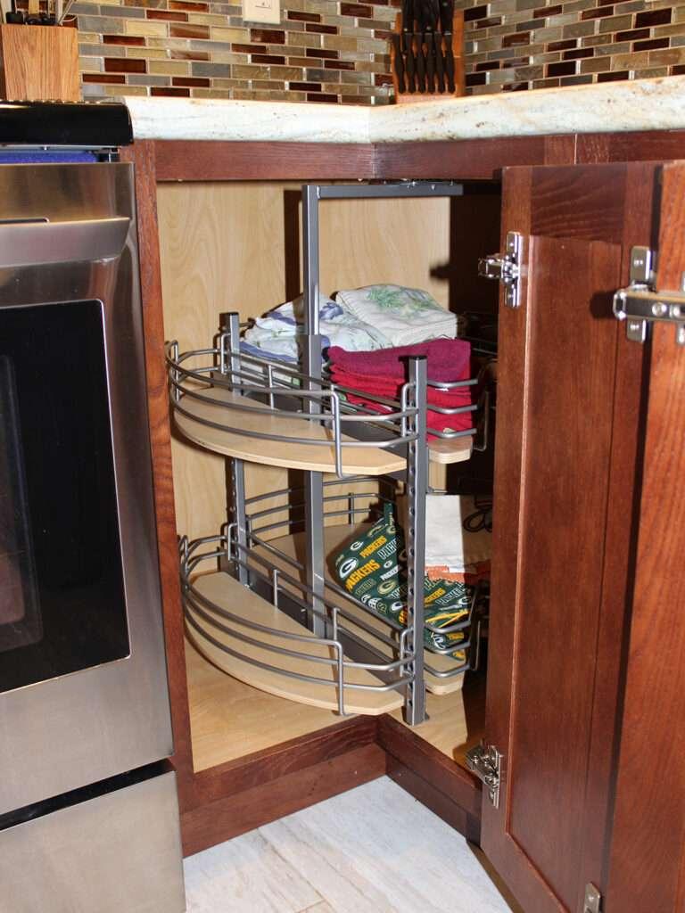 StarMark Cabinetry Elegant Redo of 1980s Kitchen 10