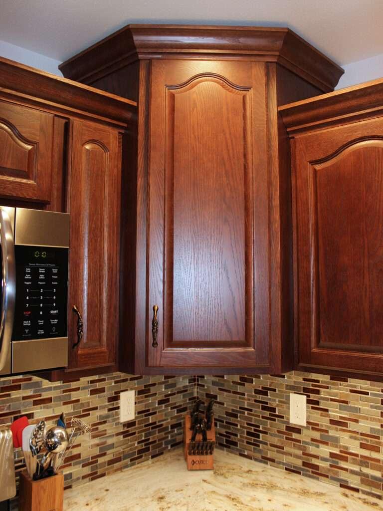 StarMark Cabinetry Elegant Redo of 1980s Kitchen 6