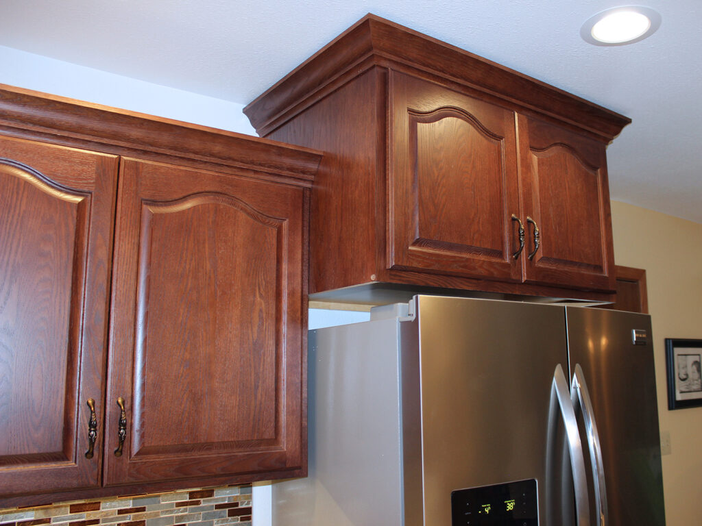 StarMark Cabinetry Elegant Redo of 1980s Kitchen 7