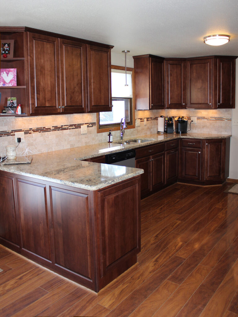 StarMark Cabinetry Fantastic 1980s Kitchen Redo 1