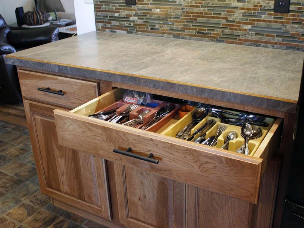 StarMark Cabinetry Kitchen Elegant Redesign 12