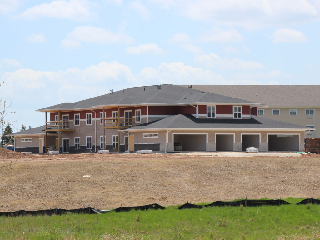 River's Edge Apartments - Building 1120 Side View