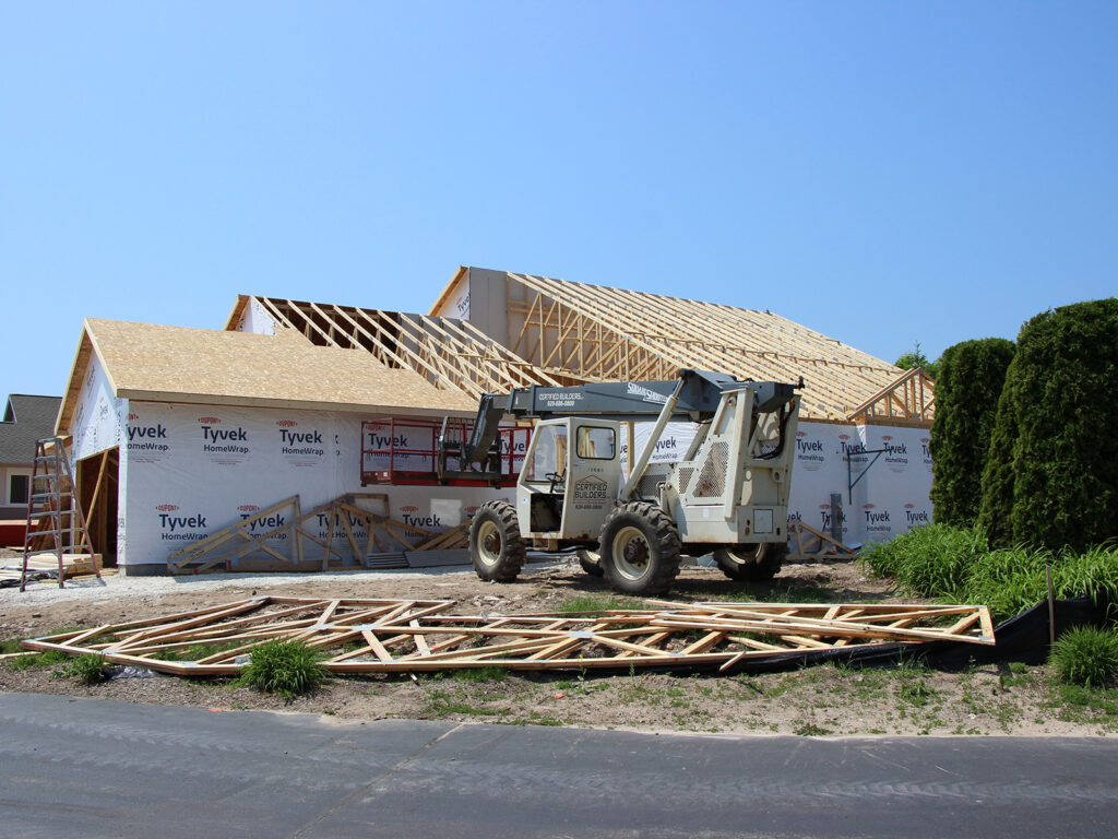 Framing and Truss Work on Units 2721 and 2723 Washington Highlands