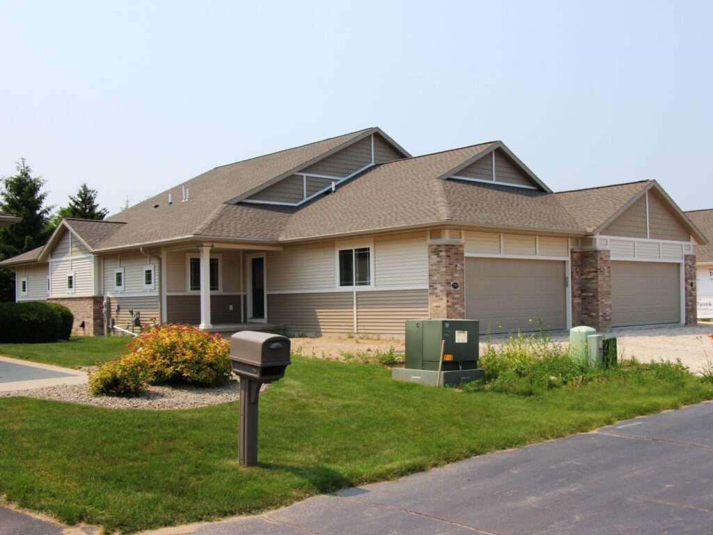 Washington Highlands Condo Duplex Units 2709-2711 Nearly Complete